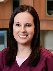 Headshot of dental hygienist Lindsey